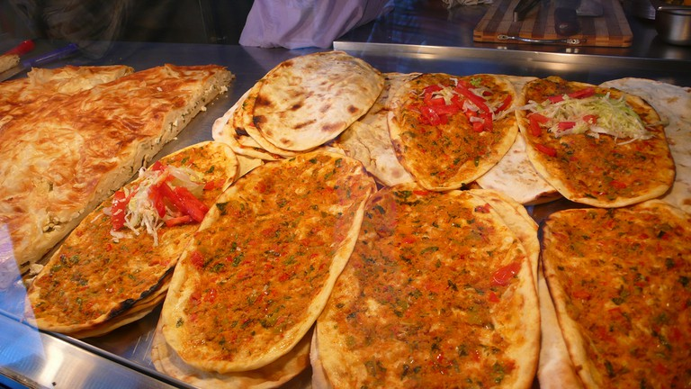 Lahmacun (Turkish Pizza) | © Christopher/Flickr