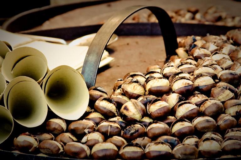 Roasted chestnuts | © barricade/flickr
