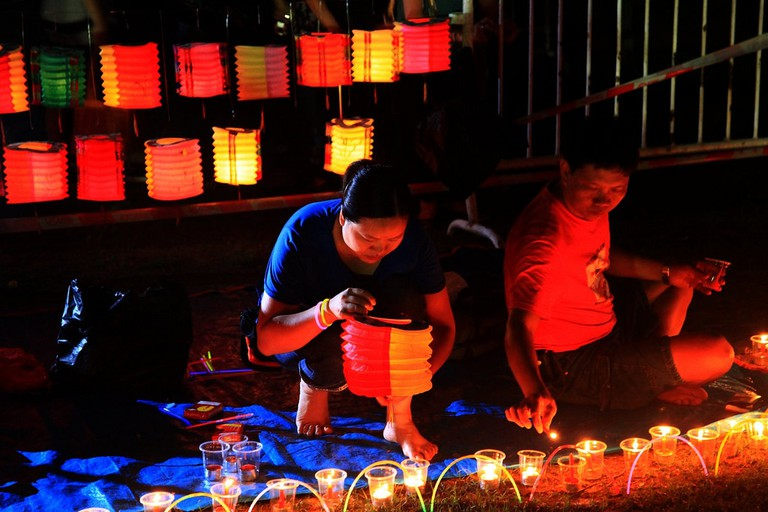 Lantern making | © tfkt12/Flickr