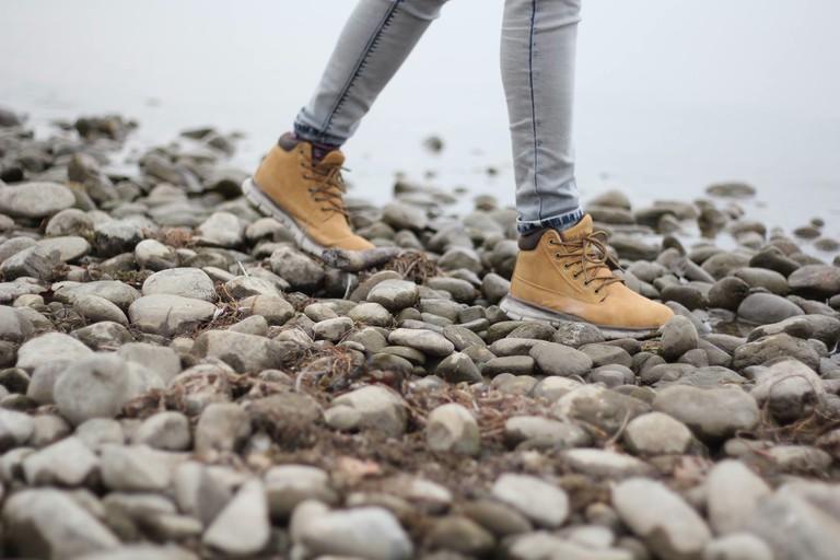 Hiking boots | © Tamara Menzi/Unsplash