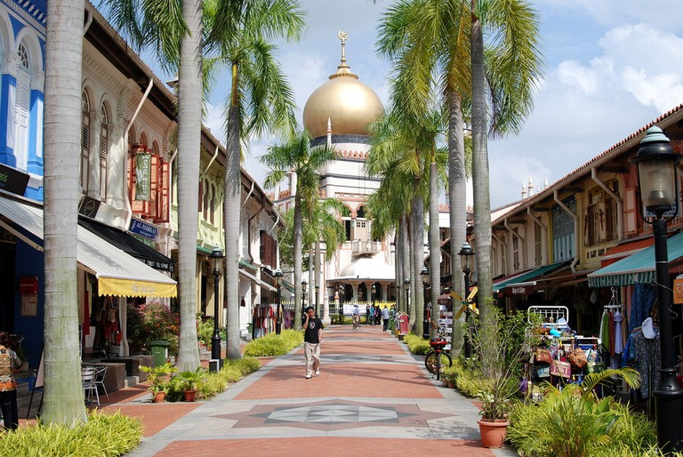 Arab Street with Sultan Mosque in the background | © Jason Powers