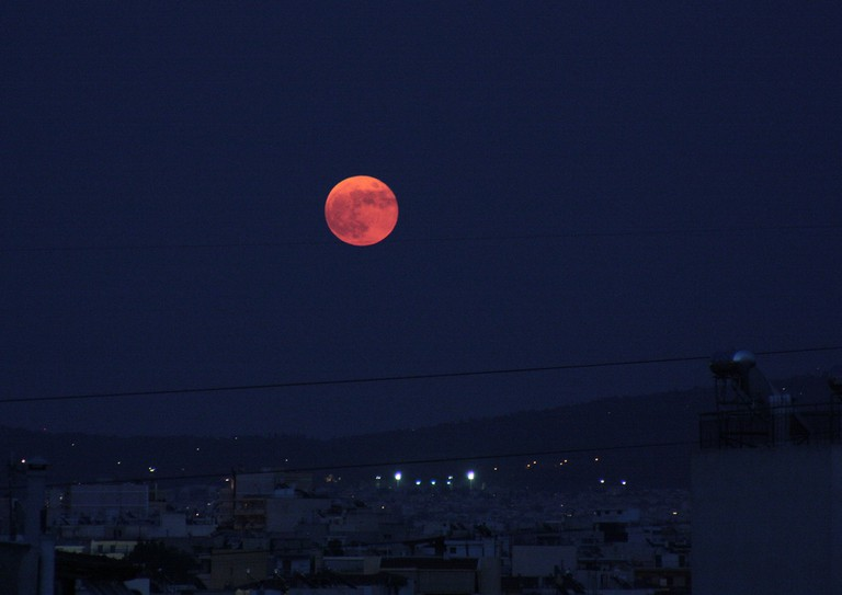 Under the moonlight |© Christos Loufopoulos/Flickr