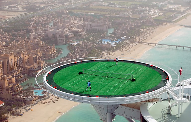 Tennis match on the Burj Al Arab helipad | ©Brett Jordan / Flickr http://bit.ly/2kJew2a