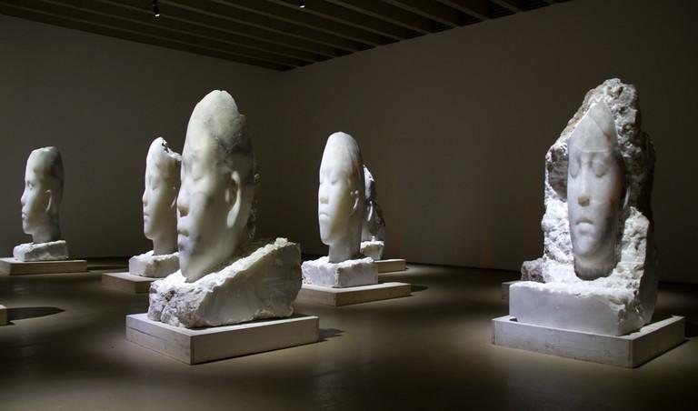 Jaume Plensa alabaster heads | © Tony Hisgett