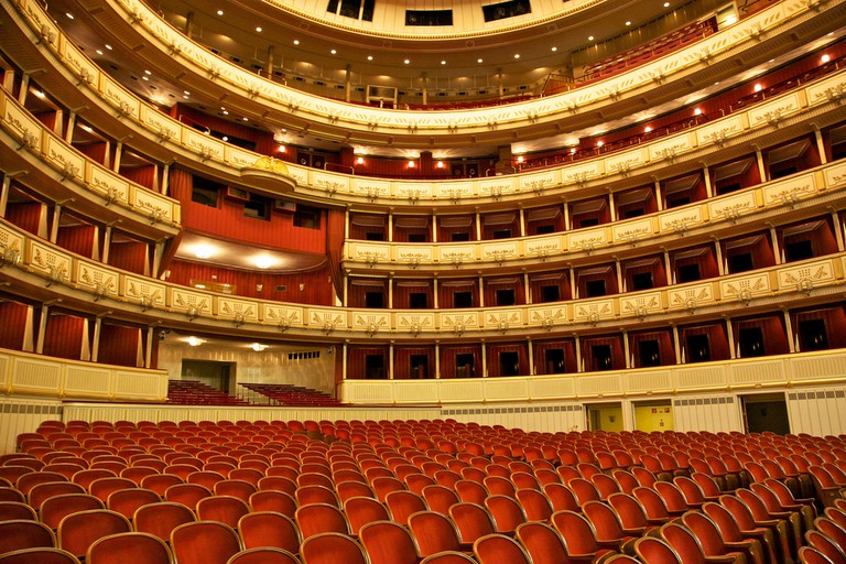 Interior of the Vienna State Opera House | © Jiuguang Wan / Flickr