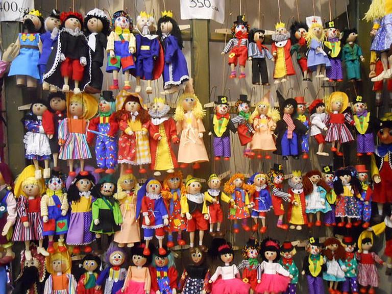 Marionettes for sale in Prague / ©Sokoljan / Flickr