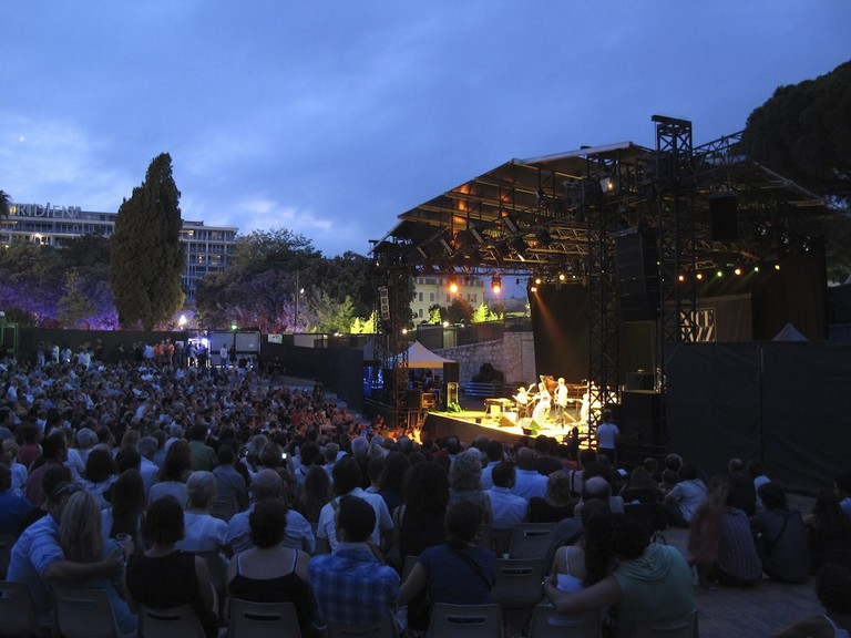 Jazz lovers might love a marriage proposal at the Nice Jazz Festival in July | © Michel Riallant/flickr