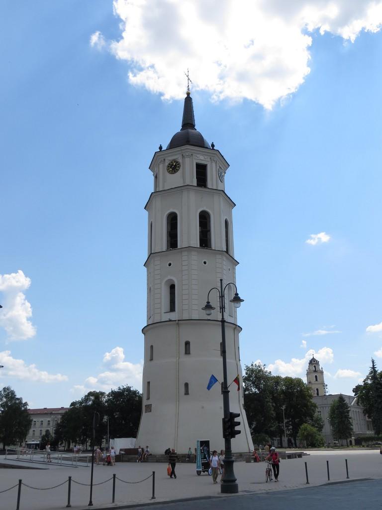 Vilnius Cathedral Bell Tower |© Bernt Rostad / Flickr