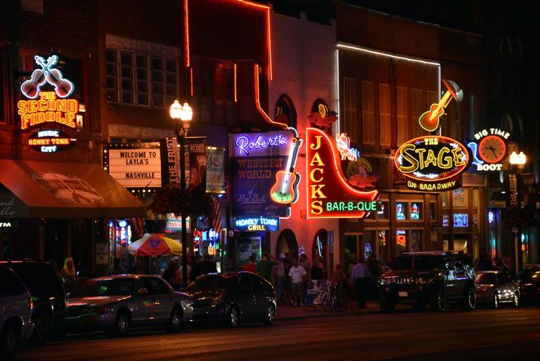 Honky Tonks on Broadway | © Big Man / Flickr