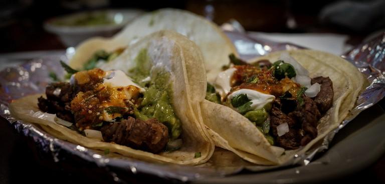 Tacos de carne asada | © rpavich/Flickr