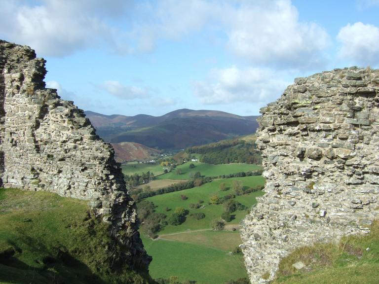 Dinas Bran Castle ruins ©John Hudson/Flickr