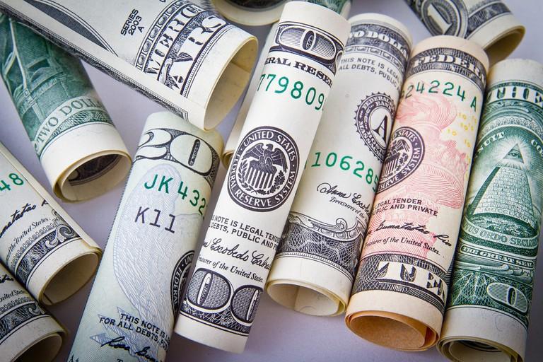 Keep some cash stashed away for emergencies | © NikolayFrolochkin/pixabay