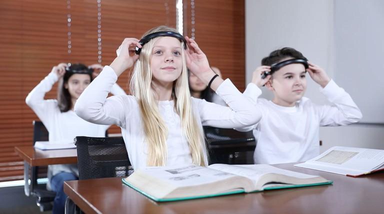 BrainCo's product in the classroom. | Courtesy BrainCo.