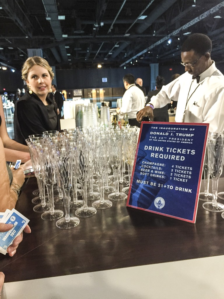 Drink tickets sign and bar at Donald J. Trump's official inaugural ball © Amber C. Snider
