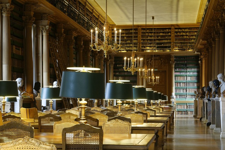Inside the Bibliothèque Mazarine, the oldest public library in France │© Marie-Lan