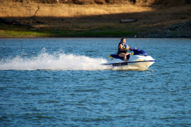 Jet Skiing |©Don DeBold/Flickr