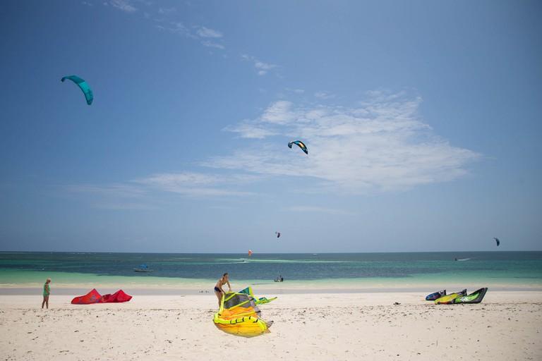Kite surfers at Watamu beach | © Make It Kenya / Stuart Price / Flickr