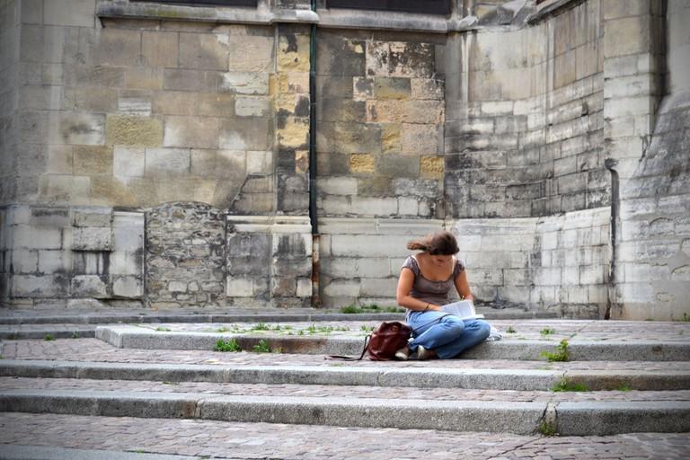 Lonely reader │© Théau Jurgens