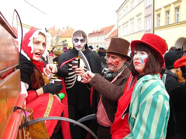 Dressing up to celebrate | ©David Sedlecký / Wikimedia Commons