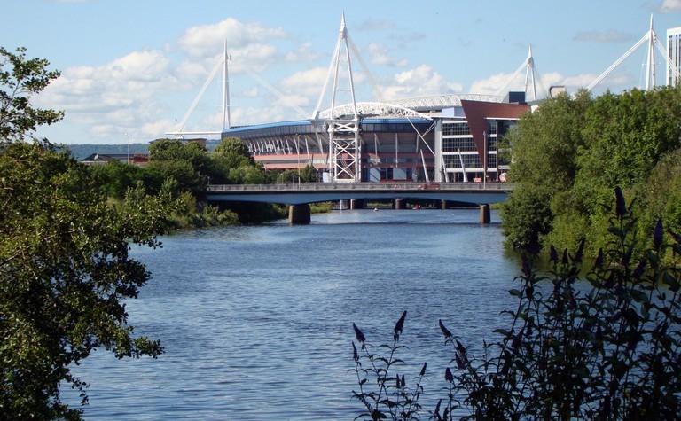 Millennium Stadium next to the Taff ©Jon Candy/Flickr