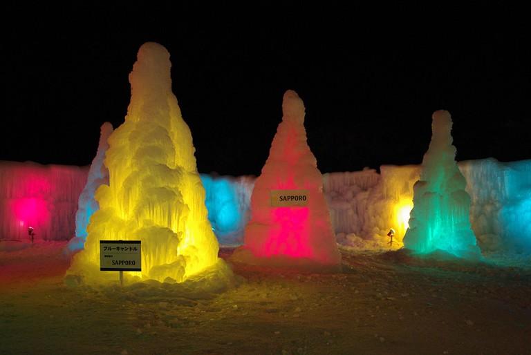The ice candles at Lake Shikotsu Ice Festival | ©とまりん^^ / Photozou