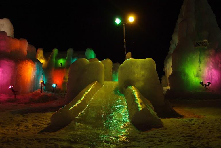 An ice slide at Lake Shikotsu Ice Festival | ©とまりん^^ / Photozou