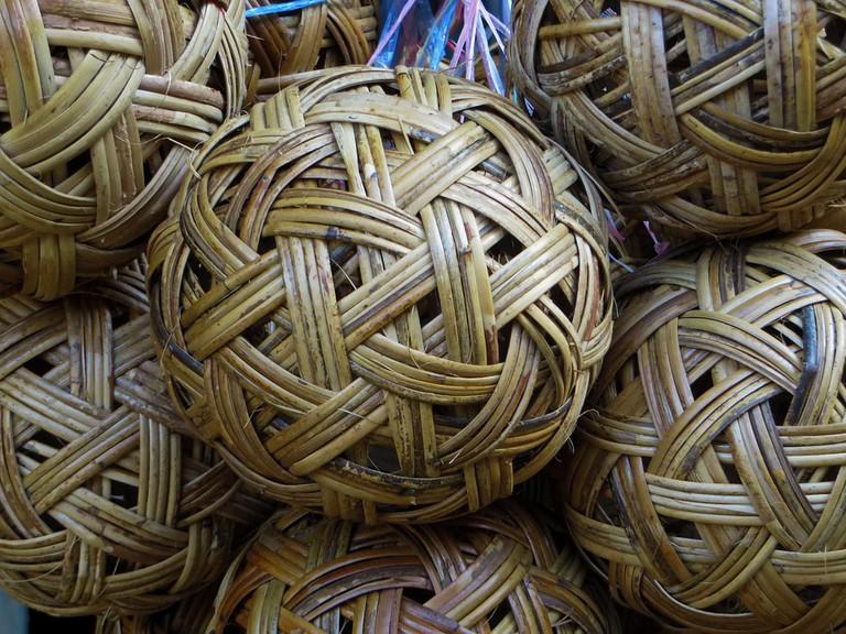 Traditional rattan balls | Pixabay