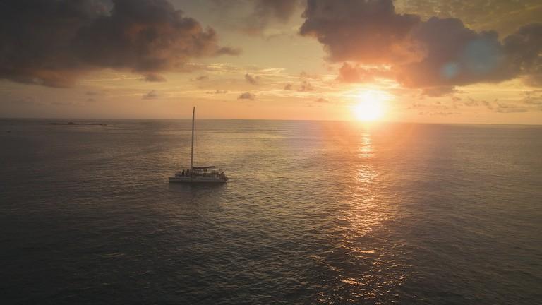 Sun sailing in Tamarindo/Richie Ramone/Carive Productions