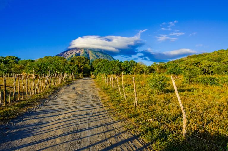 Volcano in Nicaragua © Simon Dannhauer/Shutterstock