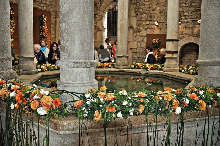 Temps de Flors at Girona's Arabic Baths | ©Alberto-g-rovi / Wikimedia Commons