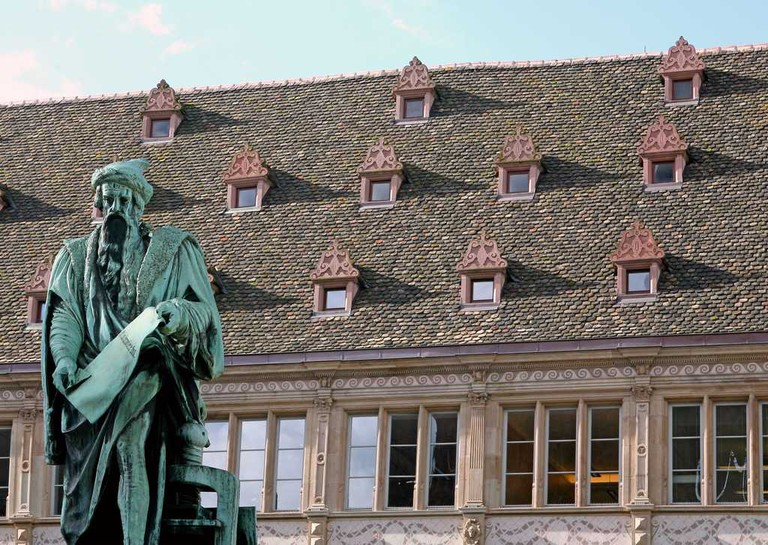 Place Gutenberg and Chamber of Commerce ©Christophe Hamm / OT Strasbourg