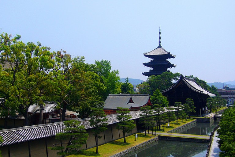 Toji Temple - home to the most famous market in Japan |© ttshr1970 Flickr