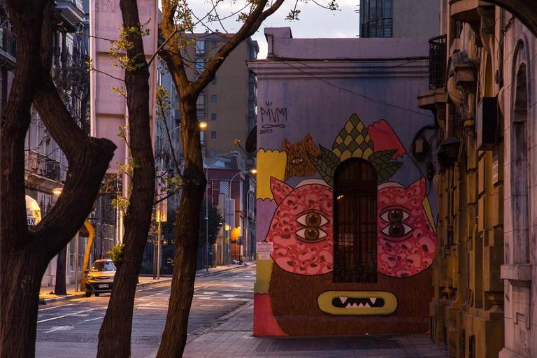 Serie de fotografías urbanas: amanecer en barrio Yungay. © Carlos Reusser Monsalvez