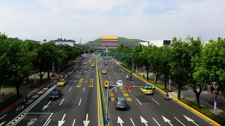 Zhongshan North Road |© 玄史生 / Wikimedia