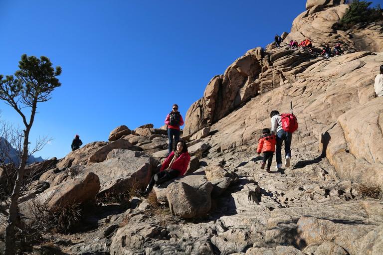 Hiking Seorak Mountain | © Bryan Dorrough / Flickr