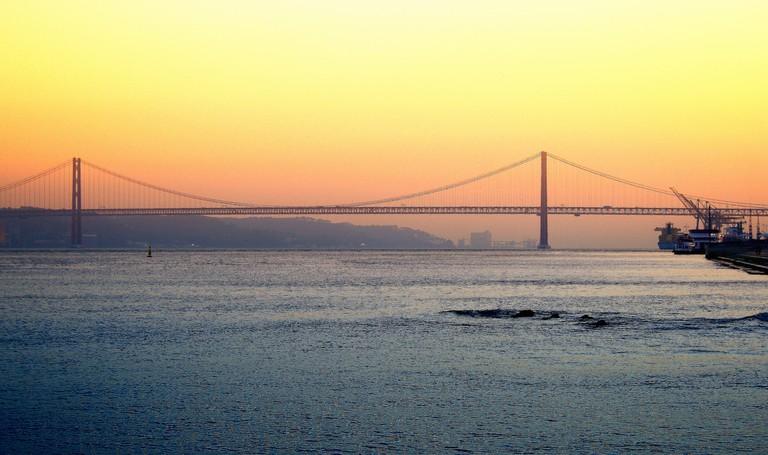 Ponte 25 de Abril © Roberto Moreno / Flickr