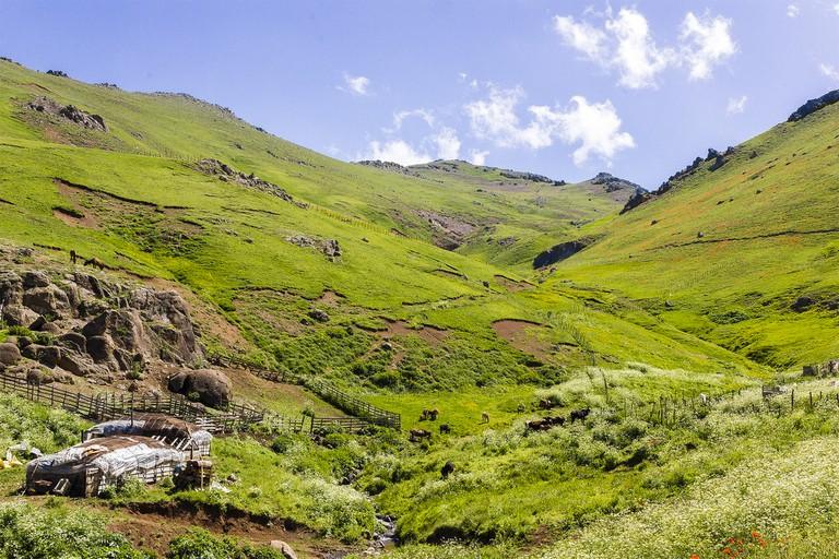 Mountains near Soubatan | © ArdalShah / Flickr