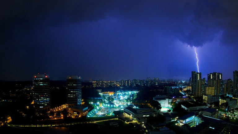 Lightning strike over Singapore | © Brent 2.0/Flickr