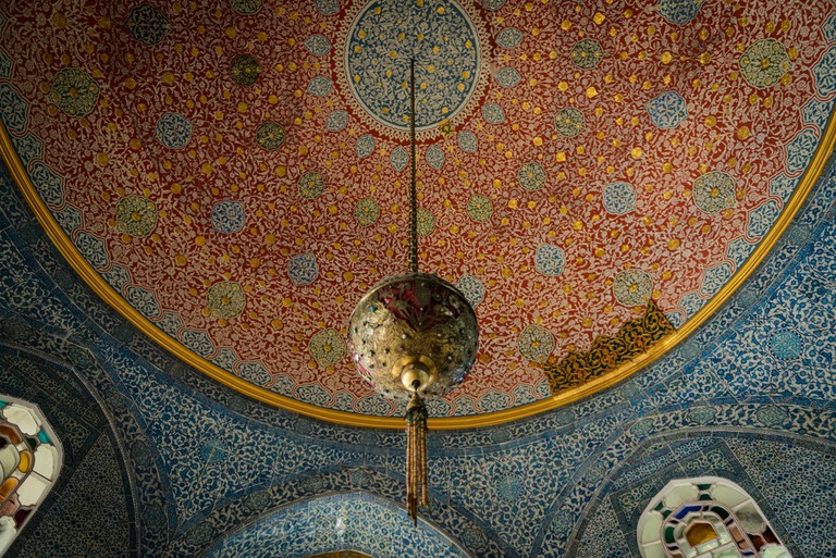 Elaborate ceiling of the Topkapı Palace   © Ali Weheda/Flickr