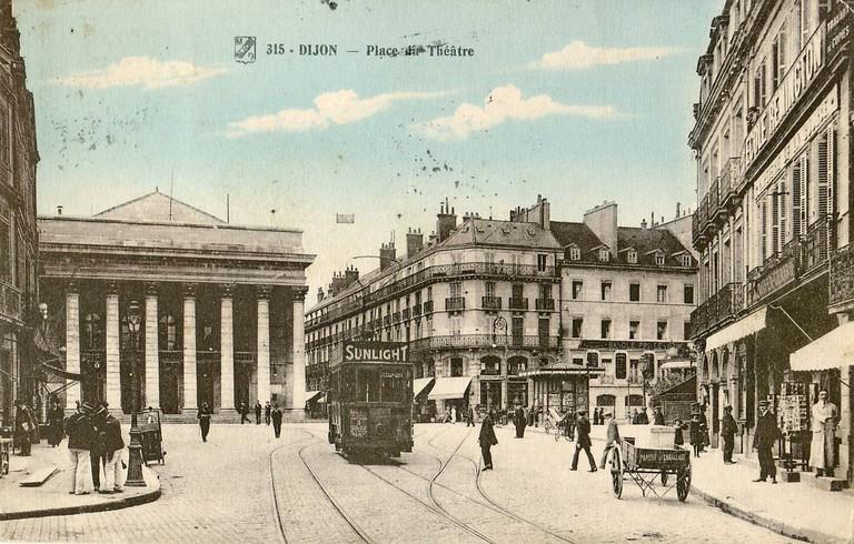 1931 postcard Dijon Place du Theatre with Tram ©Claude Villetaneuse/Wikimedia