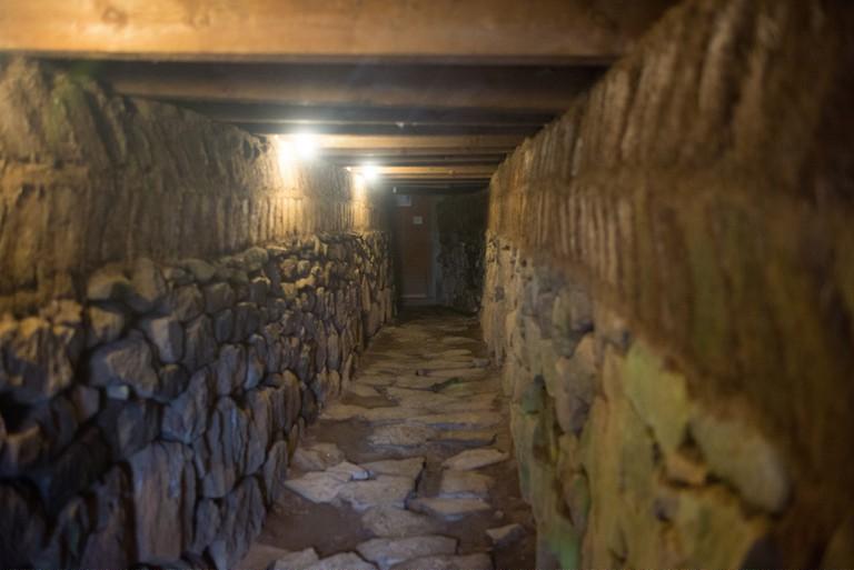 Underground tunnel at Skalholt | © Ryan Stavely / Flickr