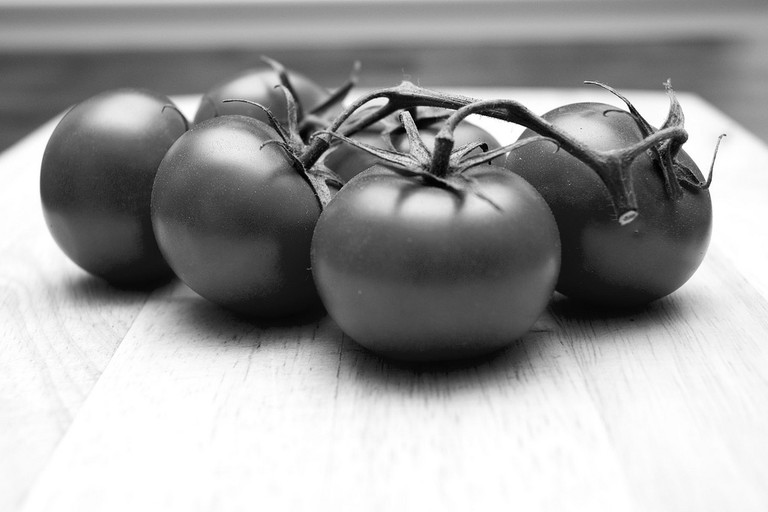 Tomatoes are a key ingredient to any French kitchen in salads or tartes | © hey-aventur/flickr