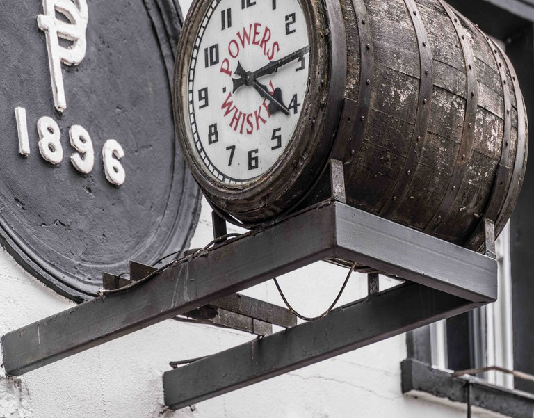 Powers Whiskey clock, Maynooth | © William Murphy/Flickr