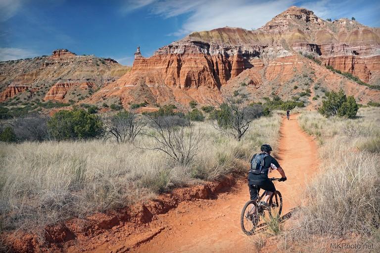 Biker in Palo Duro Canyon | © Martin Konopacki