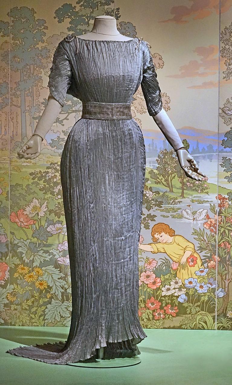The Dolphos dress design developed by Fortuny; Jean-Pierre Dalbera, flickr