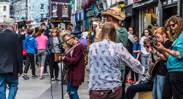 Street entertainers in Galway | © William Murphy/Flickr