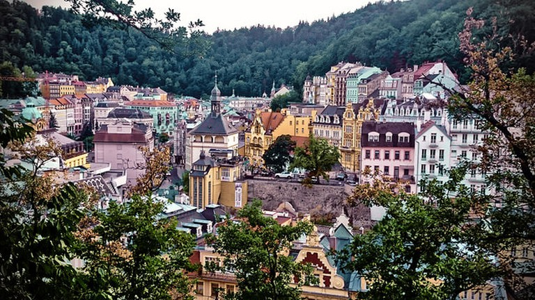 Hill views of Karlovy Vary / ©VnGrijl / Flickr