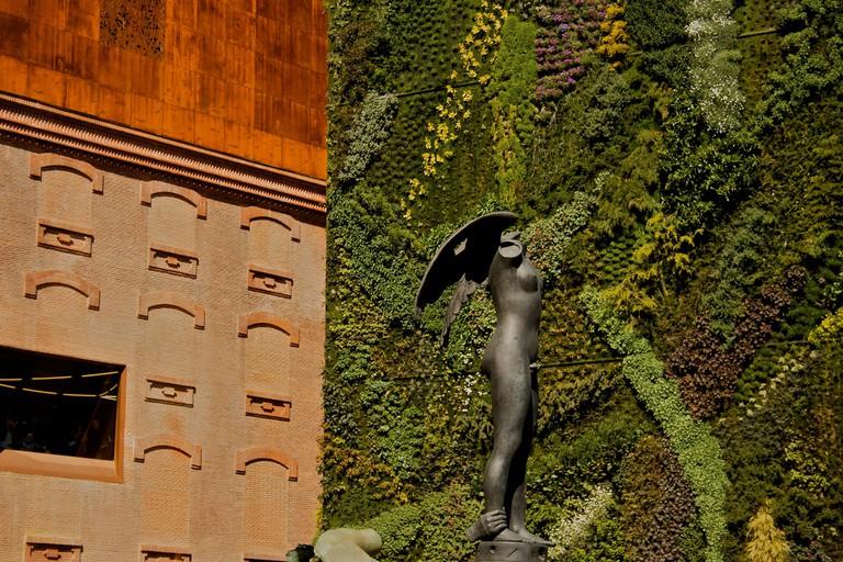 The wall of grass outside the Caixa Forum | © Santiago Samaniego