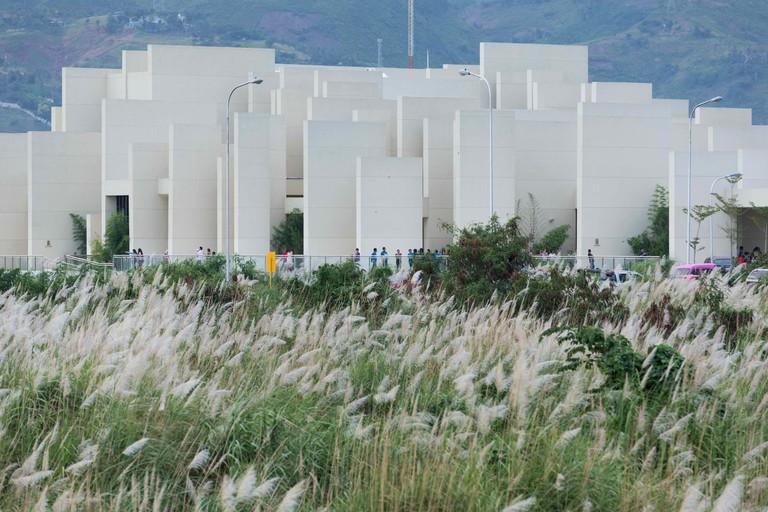 100 Walls Church | © CAZA Architects
