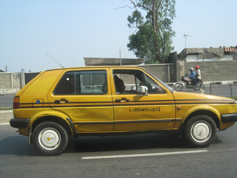 Taxi colours in Lagos | © satanoid / Flickr